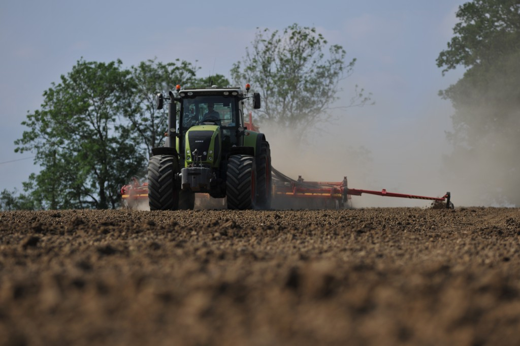 Griffin tractor contract farming in Essex