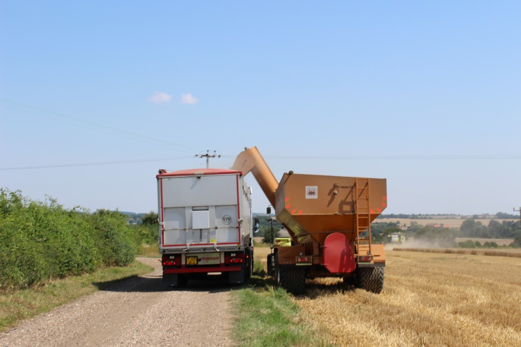 harvest 2015 haulage and crawler in essex and sufolk